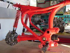 Ich restauriere Motorräder, Klassiker, Oldtimer und Motoren aller Art. Custommotorräder umbauten aber auch Fahrräder