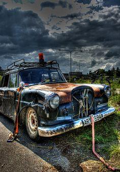 Old Rusty Cars | Rusty old car