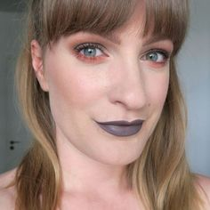 Grey and coral eye make up. Orange and grey aesthetic. Natural brows. Make up for blue-green eyes. Grey lipstick. Unusual lipstick look. Bold make up inspiration. Beauty look using the Anastasia Beverly Hills Subculture palette. #talontedlex