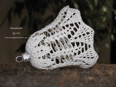 Obiecałam, Że W Kolejnym Poście Pojawią - Diy Crafts Knit Christmas Ornaments, Crochet Christmas Decorations, Crochet Decoration, Crochet Ornaments, Christmas Knitting, Handmade Christmas, Christmas Crafts, Crochet Snowflake Pattern, Crotchet Patterns
