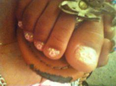 Pedicure w/ pink glitter nail