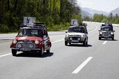 Three Classic Mini brave the route from Germany to Azerbaijan in the famed Allgäu-Orient Rally. Red Mini Cooper, Mini Coopers, Classic Mini, Classic Cars, Mini Uk, Mini Countryman, Car Mods, Mini Things, Small Cars