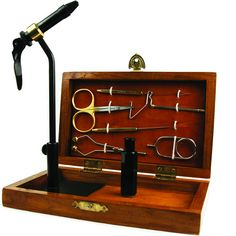 The Terra Royal Coachman Fly Tying Tool Kit includes quality fly tying tools perfect for the beginner and the seasoned fly tyer alike. This tool kit is great for the traveling angler as the entire pac
