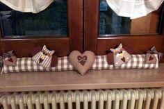 """Милые сердцу штучки: Начинаем готовиться к зиме: """"Подушки от сквозняка"""""""