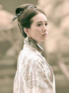 The Imperial Doctress: Wallace Huo, Liu Shi Shi, Huang Xuan, Yuan Wen Kang.