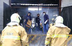 El Cuerpo de Bomberos reportó un incendio en el área industrial de Carcelén Alto.