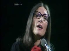 Nana Mouskouri - Try to remember (Live at Albert Hall 1974)