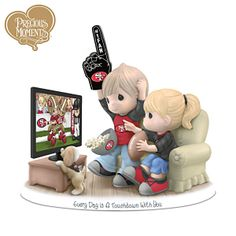 Precious Moments Green Bay Packers Fan Porcelain Figurine - I need this in my life Indianapolis Colts, Pittsburgh Steelers, Dallas Cowboys, Denver Broncos, Seattle Seahawks, Pittsburgh Penguins, Broncos Win, Seahawks Team, Green Bay Packers Fans