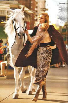 Today has been the day of the Zimmermann–Raquel Zimmermann that is. From appearances in Gucci campaigns, and now Vogue US August, Raquel continues to be one of… Vogue Editorial, Editorial Fashion, Horse Girl Photography, Fashion Photography, Gucci Campaign, Raquel Zimmermann, Horse Fashion, Foto Real, Mode Editorials