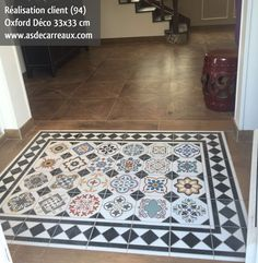 tapis carreau de ciment Floor Design, House Design, Porch Tile, Transition Flooring, Art Nouveau Tiles, Wood Tile Floors, Hexagon Tiles, Living Room Flooring, Stone Mosaic