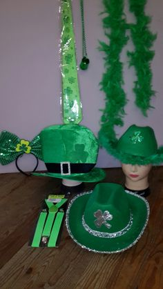 3 visitors have checked in at Foam & Bedding, Masks & Things. Four Square, Irish, Christmas Ornaments, Holiday Decor, Home Decor, Decoration Home, Irish Language, Room Decor, Christmas Jewelry