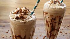 Frozen Chocolate Mudslide Cocktail Video / sieht aus wie Eiskaffee, hat es aber in sich. ein super Drink für heiße Tage!