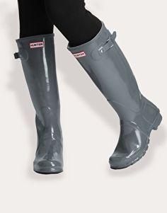 Hunter Original Gloss Wellington Boots Graphite- size 8.5. Green is a nice color too. Check Costco