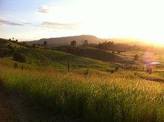 Nimbin, Australien, landschaftlich toll gelegen mit günstigen Möglichkeiten der Übernachtung.