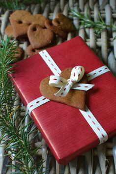 Gingerbread gift tags for Sunday Times Style by Decorator's Notebook