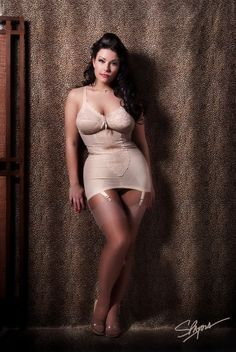 jjplush:  One of my favorite pin up shots by Michael Spatola in LA, wearing a girdle by @girdlebound of course