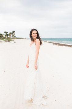 Gorgeous beachy bride: http://www.stylemepretty.com/little-black-book-blog/2015/08/27/tropical-elegant-mexico-beach-wedding/ | Photography: Meg Miller - http://megmillerphotography.com/