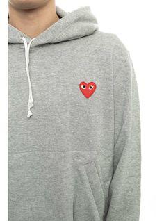 http://www.thenextdoor.fr/fr/comme-des-garcons-play-red-play-sweatshirt-grey.html