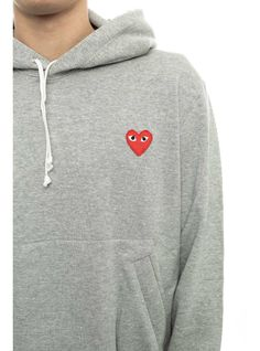 http://www.thenextdoor.fr/fr/comme-des-garcons-play-red-play-sweatshirt-grey.html