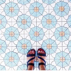 Amazing pic by @shiuaniewang tagging #ihavethisthingwithtiles   _____________________________________________    #fwisfeed #feet #maioliche #lookyfeets #lookdown #selfeet #fwis #fromwhereyoustand #viewfromthetop #ihavethisthingwithfloors #viewfromthetopp #happyfeet #picoftheday #photooftheday #amazingfloorsandwanderingfeet #vsco #all_shots #lookingdown #fromwhereonestand #fromwherewestand #travellingfeet #fromwhereistand #tiles #tileaddiction #tilecrush #floor #vscocam #instatiles