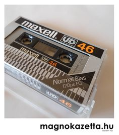 vintage cassette MAXELL UD 46