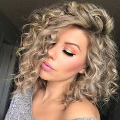 Curly Lob, Curly Hair Styles, Blonde Curly Hair, Curly Bob Hairstyles, Short Curly Hair, Headband Hairstyles, Short Hair Cuts, Medium Hair Styles, Trending Hairstyles