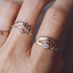Swipe Right on This Seriously Cool Anti-Engagement Ring Trend via @britandco