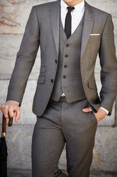 Really like the grey color with a subtle hint of brown on this suit!#grey #suit #menstyle #menswear