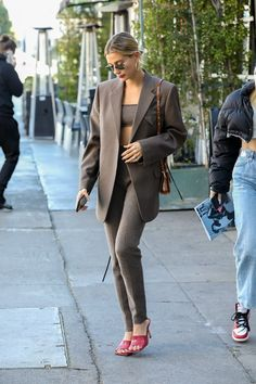 Estilo Hailey Baldwin, Hailey Baldwin Style, Kendall, Kylie, Chic Outfits, Trendy Outfits, Fashion Outfits, Fashion Weeks, Bella Hadid