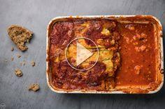 Τα πιο ελαφριά λαζάνια με κολοκυθάκια αντί για ζυμαρικά (VIDEO) Greek Recipes, Low Carb Recipes, Cooking Recipes, Lasagna, Meals, Drink, Ethnic Recipes, Food, Lasagne