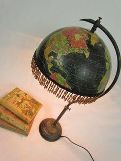Dishfunctional Designs: Global Recycling: Old Globes Upcycled. Vintage black globe table lamp via etsy. Old Globe, Globe Art, Globe Decor, Blue Velvet Chairs, Diy Inspiration, Lamp Shades, Light Shades, Diy Furniture, Furniture Buyers