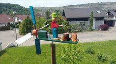 Windrad mit Holzhacker