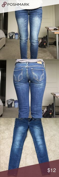 """Hollister jeans Hollister """"super skinny"""" jeans. Comfortable and in great condition!  Size 5s. W: 27. L: 29. Hollister Jeans Skinny"""