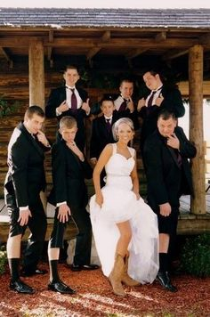 Fun Bridal Party Photos to Capture! Take a look at our collection of another 21 cute and fun wedding party photo poses like these for you and your bridesmaids to try! Apart from the traditional bridal party portraits, place a few Casual Country Wedding, Country Wedding Photos, Country Weddings, Cowboy Weddings, Photo Ideas For Wedding, Country Wedding Groomsmen, Country Style Wedding Dresses, Cowgirl Wedding, Vintage Weddings
