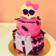 Punk Princess Pink Skull Birthday Cake / 2tarts Bakery / New Braunfels, TX / www.2tarts.com