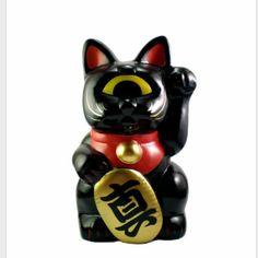 Real x Head Black Fortune Cat #realxhead #fortunecat #designervinyl #fatsumatoys #fatsuma #rxh #sofubi
