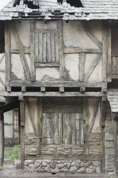 :) Medieval Houses, Medieval Town, Timber Buildings, Old Buildings, Historical Architecture, Architecture Details, Tudor Decor, Wattle And Daub, Chateau Medieval