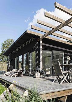 Skräddarsytt arkitektritat hus - www.sommarnojen.se #exterior #architecture
