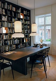 Though designer Naja Munthe lives in the very heart of Copenhagen, every day she can enjoy the freedom that life outside the city can offer - her ✌Pufikhomes - source of home inspiration Elegant Dining Room, Dining Room Sets, Home Office Design, House Design, Gravity Home, Interior Architecture, Interior Design, Green Home Decor, Home Libraries