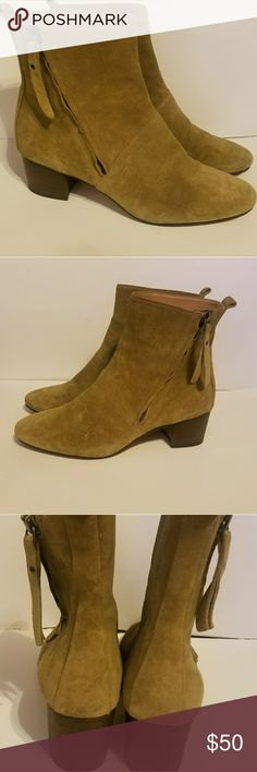 Banana Republic Suede Boots Excellent condition suede Banana Republic Boots.  Super cute, comfortable, high quality boot. AA 7 Banana Republic Shoes Ankle Boots & Booties