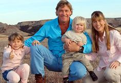 """♡♥Steve Irwin's family Terri, Bindi and Bob - click on pic to see a larger pic and the story of the cameraman who heard Steve's last words """"I'm dying"""" spoken to him as he saw his friend Steve die♥♡"""