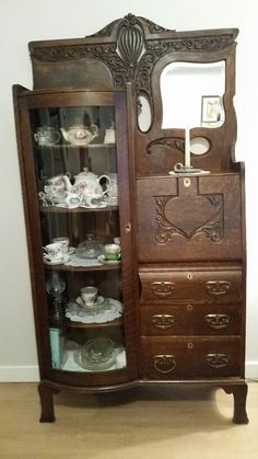 My great grandmother's. Antique 1900's Drop front secretary desk with curve glass bookcase. Antique Secretary Desks, Secretary Desk With Hutch, Victorian Furniture, Antique Furniture, Glass Bookcase, Bookcase Desk, Mahogany Furniture, Curved Glass, Furniture Inspiration