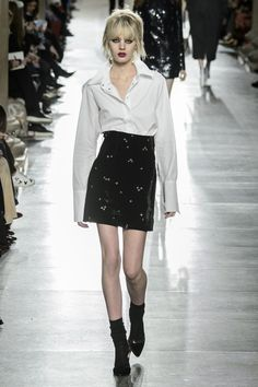 Pin for Later: All the World's a Stage at Topshop Unique Autumn/Winter 2016…