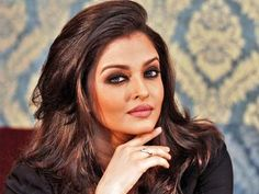 Aishwarya Rai Bachchan : Happy that Swimsuit Round has been removed from Miss World Competition – Vishwagujarat Actress Aishwarya Rai, Aishwarya Rai Bachchan, Bollywood Actress, Bollywood News, Bollywood Images, Amitabh Bachchan, Indian Celebrities, Bollywood Celebrities, Bollywood Fashion