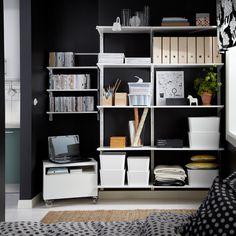 Calhas verticais/parede ALGOT e móvel com rodízios BESTÅ com uma gaveta, tudo em branco