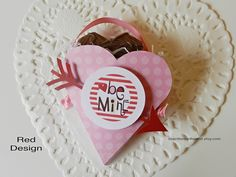 It's Written on the Wall: Check out this Valentine's Day Heart Treat Box- For Classroom Treat, Teacher Appreciation, Party Favor and more #papercrafting