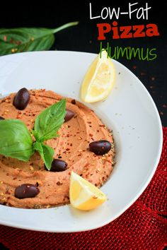 Oil-free, nut-free, dairy-free hummus that tastes just like pizza and all you need is 8 ingredients! Vegan Sauces, Vegan Foods, Vegan Recipes, Unique Hummus Recipe, All You Need Is, Vegan Party Food, Easy Homemade Pizza, Healthy Dips, Vegan Appetizers