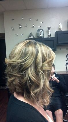 Best Long Inverted Bob Hairstyles for Stylish Ladies inverted bob for thick wavy hair Bob Hairstyles For Thick, Long Bob Haircuts, Hairstyles Haircuts, Long Curly Hair, Curly Hair Styles, Cut My Hair, Hair Cuts, Styles Bob, Hair