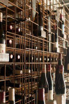 Cave Bar, Bar A Vin, Journal Du Design, Retail Interior Design, Wine Cellar Design, Architecture, Store Design, Wine Rack, New Homes