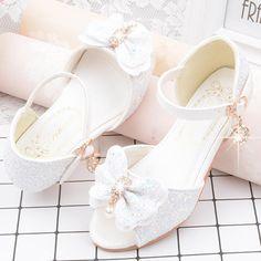 Pretty Shoes, Beautiful Shoes, Cute Shoes, Me Too Shoes, Kawaii Fashion, Lolita Fashion, Cute Fashion, Fashion Shoes, Kawaii Shoes